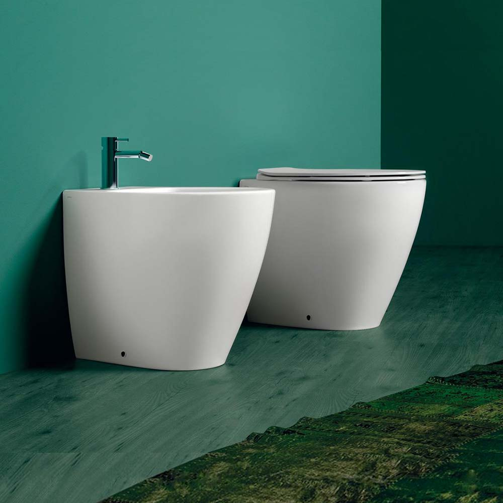 Lft spazio vaso rimless bidet e sedile slim soft close in offerta.